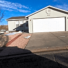 3 bedroom, 2 bath home available - Colorado Springs, CO 80922