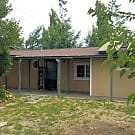Conveniently located two bedroom duplex in Southea - Santa Rosa, CA 95407