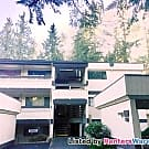 2BR/2BA on Jackson Park Golf Course, Pool, Balcony - Seattle, WA 98125