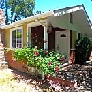 Lovely private 1-level home in Northwest Santa Ros - Santa Rosa, CA 95403