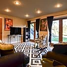 Furnished 5 Bedrooms - Seattle, WA 98122