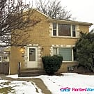 Fantastic Cooper Park 2 Bdrm Lower Unit - Milwaukee, WI 53222