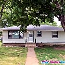 Cozy 4 Bedroom 2 Bathroom Home. Avail. Sept 1st!! - Saint Cloud, MN 56303