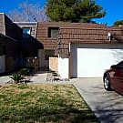 Townhouse in Las Vegas Country Club - Las Vegas, NV 89109
