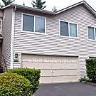 Renton Highlands Townhouse with Large Garage - Renton, WA 98059