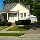 Bungalow with 3 Bedrooms, 1 Bath in Eastpointe - Eastpointe, MI 48021