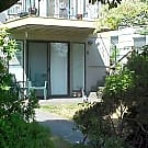 Magnolia 2 bed 1 ba ground floor unit in 4-plex - Seattle, WA 98199