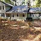 Beautiful 4 bedroom 2 1/2 Bathroom in Johnson Fore - Lawrenceville, GA 30045
