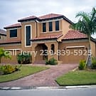 2 Story Lake front Pool home Near Beaches & Sanibe - Fort Myers, FL 33908