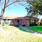 3 bed / 2 bath Single family rental - Fort Worth, TX 76134