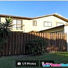 Beautiful 3 bedroon 2 bath townhouse in Gated... - Lake Worth, FL 33463