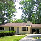 3 Bedroom with 1 bath with Fenced in Yard! - Cumming, GA 30041