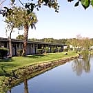 Shoreline Apartments - Jacksonville, FL 32211