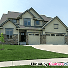 Stunning 4 bed, 3.5 bath Clive executive home - Clive, IA 50325