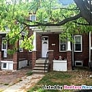 Classic Govans Row House with 4 BRs - Baltimore, MD 21212