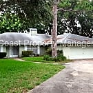2 Bedroom plus den and large screened in back Porc - Bradenton, FL 34209