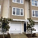 Lovely Bellevue town-home in an excellent location - Bellevue, WA 98005