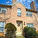 Private End Unit 2br w/LOFT Townhome Chesterbrook - Wayne, PA 19087