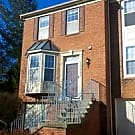 Charming Townhome w/Garage and Spacious Kitchen - Potomac, MD 20854