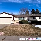 Perfect 3 Bed/ 2 Bath in Wonderful Neighborhood - Littleton, CO 80123