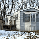 2 bedroom, 1 bath home available - Davenport, IA 52804