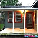 Charming 2/1 in Magnolia Park Duplex - Houston, TX 77011