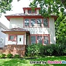 Gorgeous woodwork in a great location - Saint Paul, MN 55105