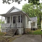 Cute little house for rent! - Leavenworth, KS 66048