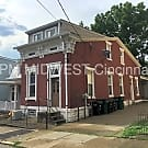 Large home close to UC's Campus! - Cincinnati, OH 45219