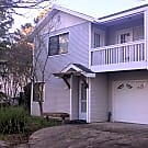 Attractive 2-level duplex near downtown Santa Rosa - Santa Rosa, CA 95404