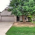 CUTE 3 bedroom with 2 living areas in Broken Ar... - Broken Arrow, OK 74014