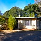 One level duplex in Northeast Santa Rosa! - Santa Rosa, CA 95404