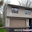 MUST SEE 2 BED 2 BATH Townhouse in prestigious... - Edina, MN 55436