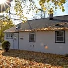 Cute 2 Bed Dearborn Heights Bungalow - Dearborn Heights, MI 48127