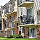 Fox Pointe Apartments - East Moline, IL 61244