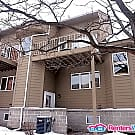 Gorgeous 2BD/1.5BA Townhouse in Uptown - Minneapolis, MN 55408