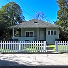 Open house 2/23/18 from 11-11:30am Charming two be - Santa Rosa, CA 95404