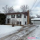 $1595-4Bd/2Ba Home in a Quiet Coon Rapids Location - Coon Rapids, MN 55448