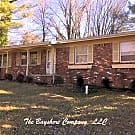 3 bedroom, 2 bath in South Asheville - Asheville, NC 28803