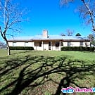 3/2 Gem On 304 On 1 Acre! Additional 7 Negotiable - Smithville, TX 78957