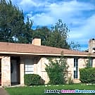 Cozy Home in the heart of Friendswood - Friendswood, TX 77546
