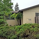Well-maintained 1 level duplex located in Rincon V - Santa Rosa, CA 95409