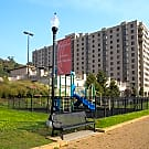Half Moon Harbour Apartments - North Bergen, NJ 07047