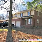 Close to MTSU! Nice 3BR/2.5BTh Duplex Apartment - Murfreesboro, TN 37130