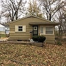 Cute Family Home West of Chiefs Stadium! - Kansas City, MO 64129