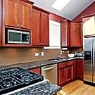 Furnished 3 Bedrooms - Chicago, IL 60642