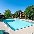 Gray's Lake Apartments - Des Moines, IA 50321