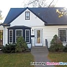 Stunning clean 3 bedroom home available now! - Saint Paul, MN 55107