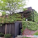 3 Bed Townhouse near St Anthony Schools - Minneapolis, MN 55421