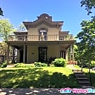 Beautiful Historic 4 Bed/1.5 Bath Duplex (Uptown) - Minneapolis, MN 55404